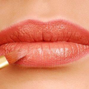 Lèvres et Bouche pulpeuse